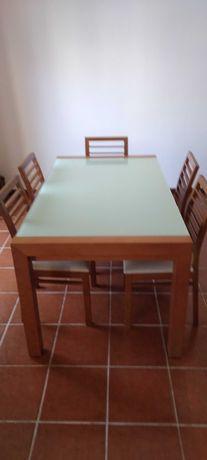 Mesa de sala moderna em cerejeira com 6 cadeiras. Agora super barata.