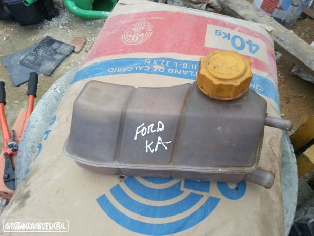 deposito de agua ford ka