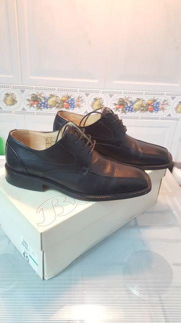 Sapatos clássicos Bata