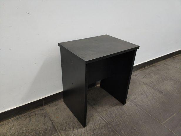 Табуретка черного цвета. Комплект 4 штуки.