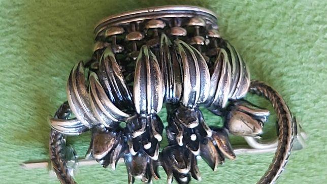 Piękna dawna broszka srebro oksydowane nowa - nie używana  styl retro
