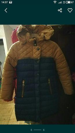 Продам тёплое,зимнее пальто на девочку 10,11,12 лет.