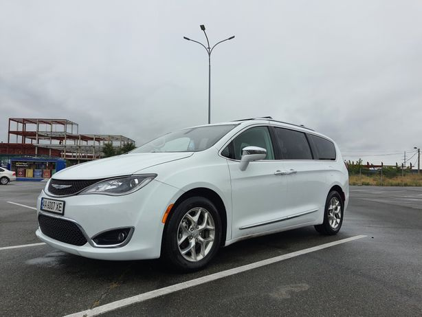 Chrysler Pacifica Limited 2016