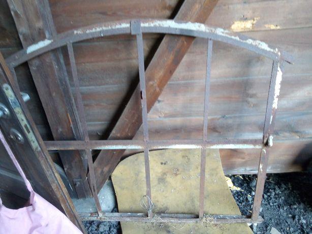 Metalowa rama z okna ozdoba
