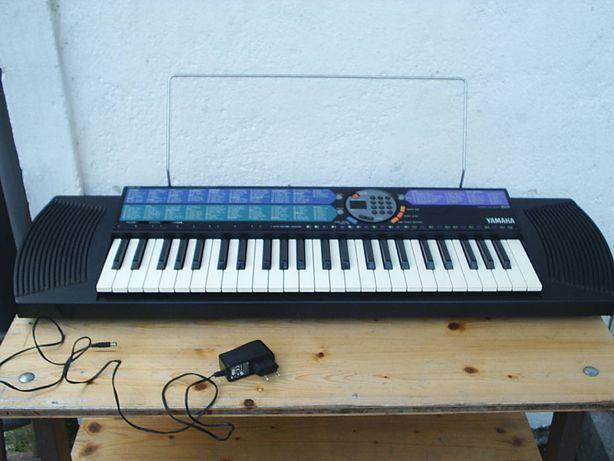 Keyboard Yamaha PSR-77 z osprzętem