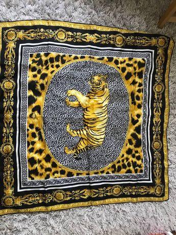 Платок з тигровим принтом