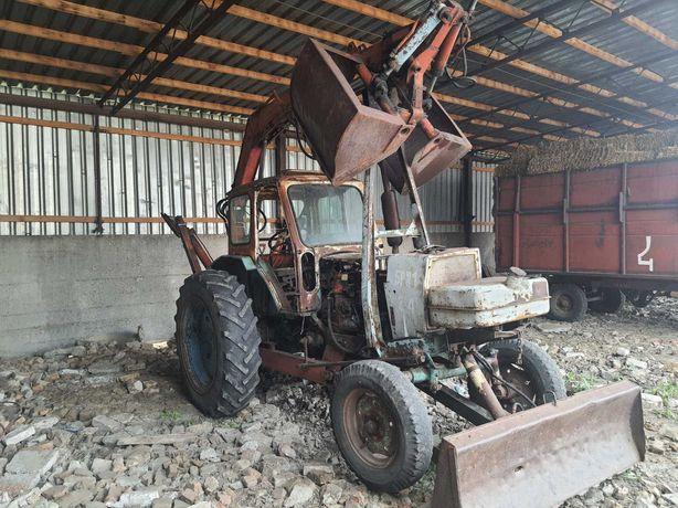 Трактор ЮМЗ-6 погрузчик