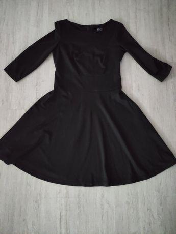 Czarna sukienka M