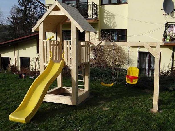 Plac zabaw, domek drewniany z huśtawkami,ślizgiem, piaskownicą,montaż