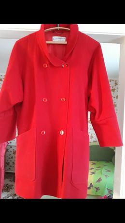 Женское пальто осень-весна в отличном состоянии