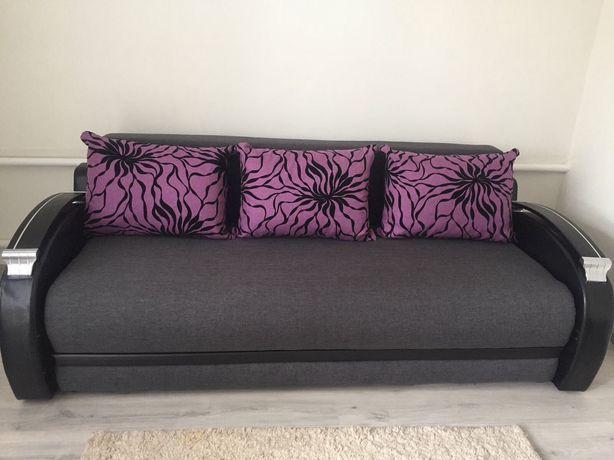 Продам диван раскладной. Без торга.