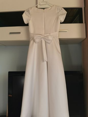 Sukienka komunijna z dodatkami