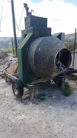 Vendo betoneira em bom estado