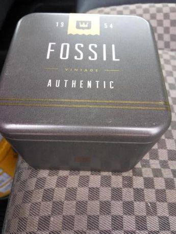 Часы мужские оригинальные новые Fossil Men Watch - FS4673