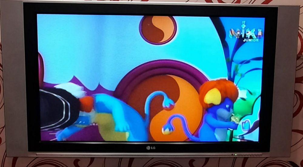 Телевизор LG 42 диагональ Алексеевка - изображение 1
