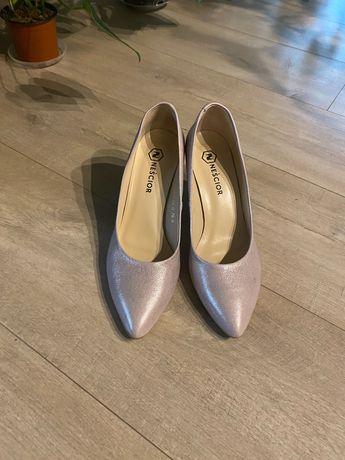 Buty ślubne skórzane pudrowy róż rozm. 40