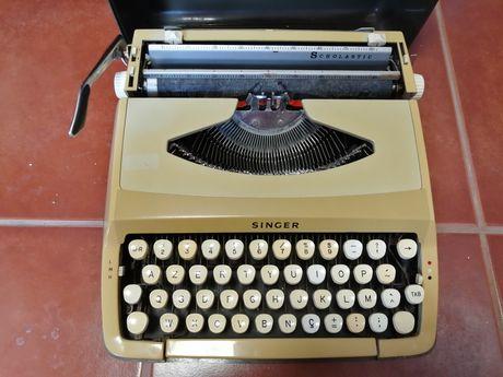Máquina escrever antiga singer