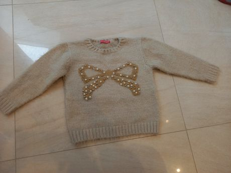 Sweterek bezowy  116