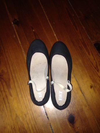 Sapatos de dança/caracter