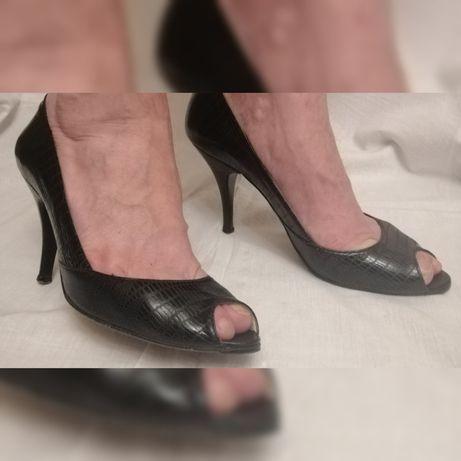 Продам туфли Fellini 39 р-р