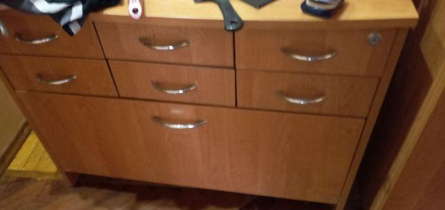Шкаф стол тумба кресло б/у