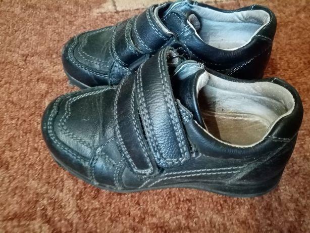 Туфли на мальчика 26р