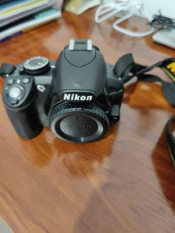 Câmara fotográfica Nikon D3100