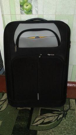 Продаётся чемодан