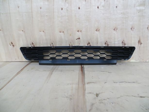 Нижняя решетка радиатора Ford Mustang 2015+ FR3Z-17K945-AA