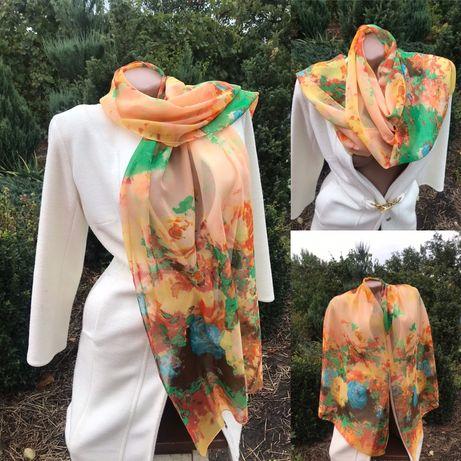 Яркий шарф на осень  Мэрлин Монро