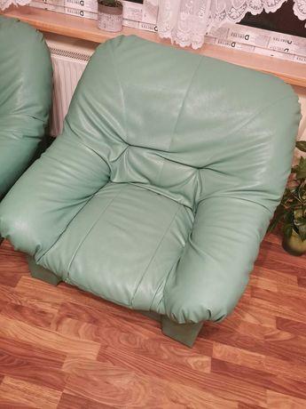 Dwa Zielone Fotele