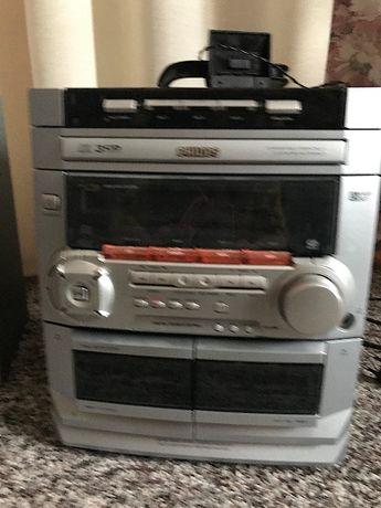 wieża (radio + odtwarzacz CD + magnetofon 2-kasetowy)