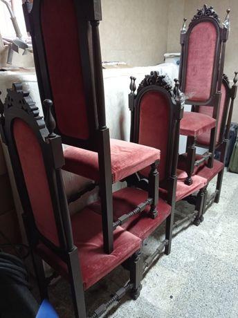 Mobília Sala com mesa, cadeiras e louceiro