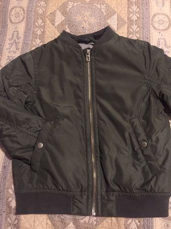 Демисезонная куртка H&M  4-6 лет