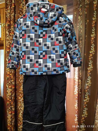 Продам демисезонную куртку и полукомбинезон на мальчика 122 размер