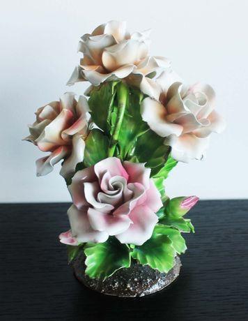 Antiga roseira em porcelana policromada estilo Capodimonte