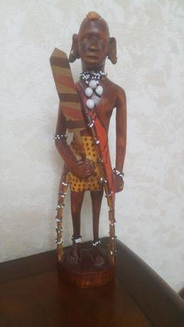 Статуэтка воин из Африки