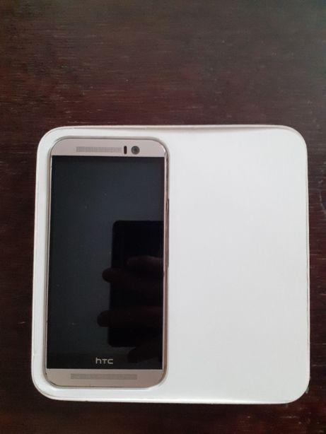 Uszkodzony zalany telefon HTC One M9 Prime Camera Edition