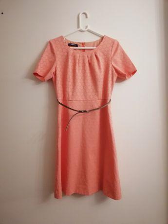 sukienka firmy taifun