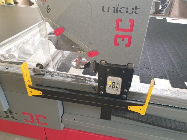 Na sprzedaż Cutter, krojownia automatyczna Allcomp 3C50 Unicat+dodatki