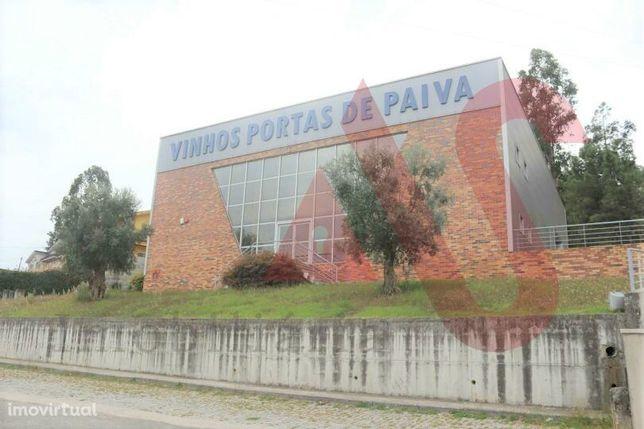 Pavilhão industrial com 600m2 em Aveleda, Lousada