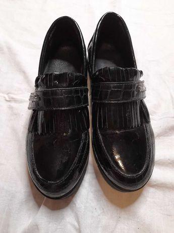 Туфли на девочку-лоферы