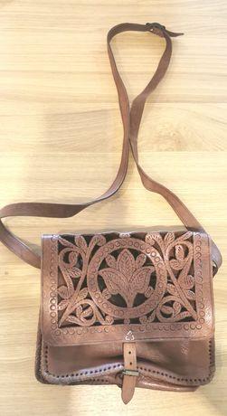 Bolsa / carteira artesanal de couro, castanha Nova