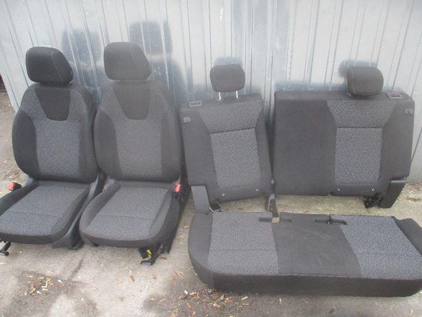 Opel Crossland fotel fotele komplet