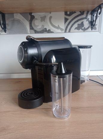 Ekspres do kawy latte delta q z biedronki czarny