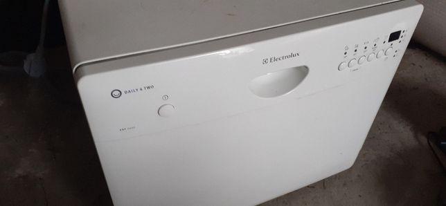 Zmywarka na Części Electrolux mała 4 komplety