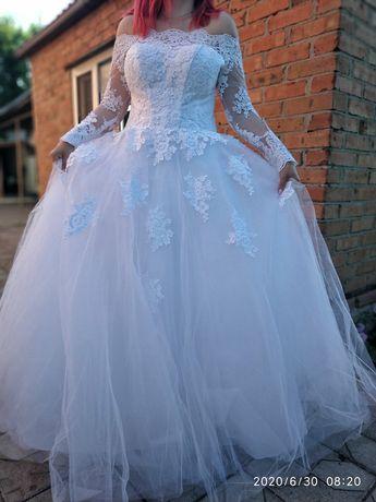 Свадебное платье (Весільна сукня)