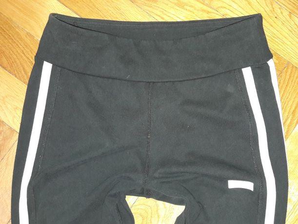Czarne legginsy New Balance M