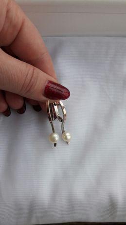Продам серьги серебро с пластиной золота и жемчугом.