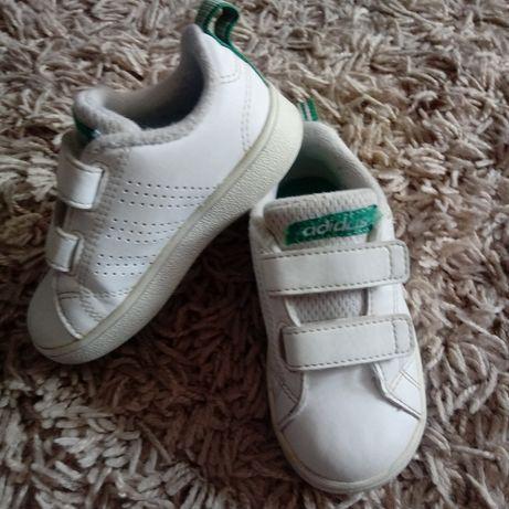 Buty adidasy chłopięce Adidas białe r.22